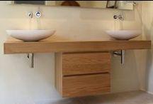 MAATWERK - BADKAMERMEUBELS / Een op maat gemaakt badkamermeubel behoort ook tot de mogelijkheden van Cespo. U ziet hier enkele voorbeelden.