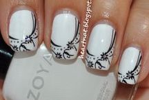 Nail Art / Not that I ever go to the work of making my nails pretty...but a girl can dream!
