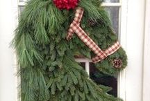 Holiday Inspiration / Get ready for the holidays! Plan your corporate Christmas Party or a Holiday Themed Wedding right here at the Grand Oaks Resort!  Contact our Event Coordinator at 352.750.5500 X221 for more information.  Here is an assortment of ideas from holiday centerpieces to a rustic, country Christmas!