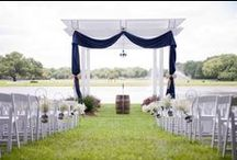 Ceremonies at The Grand Oaks / The Grand Oaks boasts 3 beautiful outdoor ceremony locations; the Spirit Courtyard, the Country Chapel, and the Pergola.