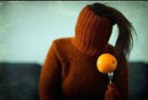 """""""La terre est bleue comme une orange."""" Eluard"""