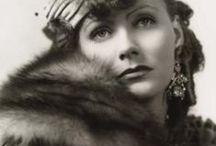 İkonlar / Lauren Bacall, Brigitte Bardot, Marlene Dietrich, Greta Garbo, Rita Hayworth, Veronika Lake, Hedy Lamarr, Elizabeth Taylor, Lana Turner.