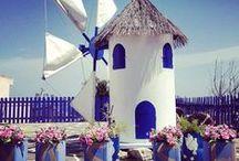 Skiathos / Hvis du er i tvivl om, hvor sommerferien skal gå hen i år, så kan vi helt klart anbefale dig at rejse til Skiathos. Der er de smukkeste omgivelser, god græsk mad og en skøn atmosfære. Se mere på www.apollorejser.dk