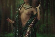 ...~Païen, wicca, amazones, natural queens~.... / Soundtrack: Loreena Mckennitt - An Ancient Muse: https://www.youtube.com/watch?v=5eAjrFfDhak____ Thème du tableau: naturel, magye, sauvage,femme, earth glory