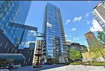 New Listing at Four Seasons Residence / New Listing at 55 Scollard Street 1603, M5R0A1 Toronto: Luxury residence at the Four Seasons. Exceptional corner unit with floor to ceiling glass. Stunning kitchen with built in appliances. Open concept living/dining room with fireplace. 2 bedrooms and 3 washrooms.