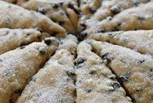 FOOD Bread Crackers / by Helen Conachan