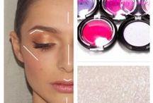 Conseils beauté et tutoriels / Retrouvez toutes nos astuces pour un maquillage parfait et apprenez pas à pas à refaire les techniques de pro !