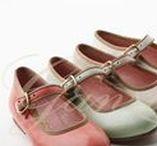 Niñas Primavera/ Verano 2013 / Zapatos y Sandalias para Niñas. Ganzitos te trae los zapatos más originales para calzar a tus pequeñas este verano.  #Shoes #Girls #Zapatos #Niñas