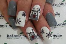 Pretty nails / #nailpolish #nails  / by Mathilde Langis