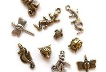 Kralen en Bedels *BEADIES* om je eigen sieraad te maken / Kralen, bedels, hangers en nog veel meer onderdelen om je eigen armband, ketting, oorbel of ander sieraad te maken. Vintage, dieren, heel veel inspiratie!
