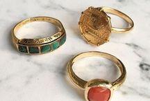 Ringen *BEADIES* vintage look / Ringen die je vindt in onze winkel in Amsterdam en Utrecht. De nieuwste sieraden trends en inspiratie vind je hier. Vintage look ringen in zilver en goud, fijne vergulde ringetjes, statement ringen met mooie kleuren, simpele ringen, ringen met half edelstenen en nog veel meer. Met veel liefde voor jou uitgezocht.