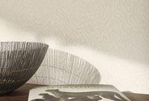 Collection : SILENCE / Grâce à son papier peint en #intissé facile à poser, la collection #SILENCE vous invite à imaginer et créer une décoration emplie de calme et de sérénité. Véritable sollicitation au #voyage intérieur et à la contemplation, ses tons clairs et ses #motifs originaux transformeront salon, chambre, salle à manger ou même bureau, en un refuge zen et intimiste.