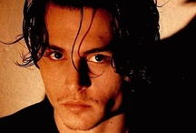 Johnny Depp  (amore) / Ator versátil, Depp tira proveito das suas mil e uma faces.Em seus filmes os fãs da grande tela sempre esperam novidades. É um ser humano a serviço da fantasia, do improvável no mundo virtual do cinema. / by Mara Neves