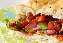 Lunchgerechten / Brood gevuld met kaas paprika en boursin
