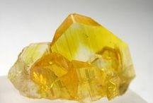 minerai jaune