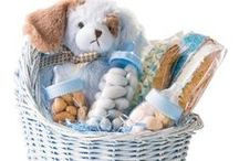 New Baby Gift Baskets / Gift Baskets and Candy Trays for to welcome your new baby. The perfect baby shower gift