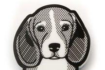 DOGS - FIBULARIA / ¿Quiéres llevar a tu perrito puesto a todas partes? Consíguelo con nuestros broches