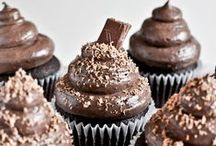 FOOD - cupcakes & pastries