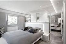 Mobilier Design / Habillage intérieur, tables basses, fauteuils, décoration, réalisé en résine de synthèse...
