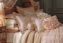 Sleep with me... / Pillows, cushions ...