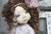 Любимые куклы и игрушки