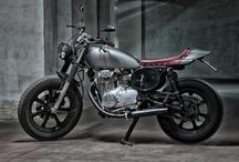 #Motorecyclos Yamaha FLAT JAP / #custom #motorcycles Motorecyclos #bikes Flat Jap #scrambler #caferacer #flat track based on #yamaha xs 400