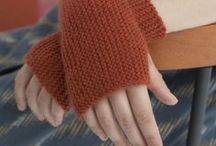 Free patterns - knitted and crotchet gloves and gauntlets