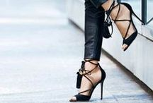Shoes Addict - Chaussures / Love all the shoes ! #shoes #chaussures #escarpins #classique #chic #shoesaddict #mode #fashion #luxe #luxury #stilettos #toes #flats #heels #talons #marques #brands #class #beautiful #style #high #plat
