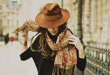 Hat lady - Femme à chapeau / #femme #hat #chapeau #love #class #chic #mode #tendance #trends #trendy #mood #borsalino #fashion