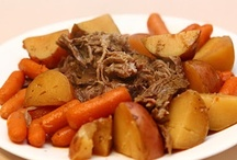 Slow Cooker Recipes / by Rebecca Taylor