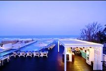 The Rock Hua Hin / This romantic Hua Hin hotel is nestled on the finest beach of Hua Hin embracing a pristine long white beach