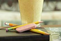 Back 2 School Smoothies / No time to make breakfast during the early morning rush? Make sure your kids are off with a good start and get the nutrients they need by blending them some easy, delicious yet wholesome smoothies to drink in the car and on the go!