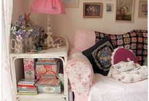 Granny Chic / Pretty florals, colour, vintage - all for your vintage styled home.