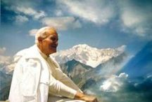 Jean Paul II / by Fabiola Lescano