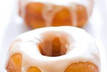 Doughnuts / Recipes for the doughnut lover! Easy chocolate, pumpkin and glazed donuts! Great for a baby shower or brunch!