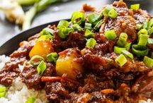 Crock Pot Recipes / Easy dinners great for the weekend or weeknight! Healthy slow cooker recipes! Paleo and whole 30 approved!