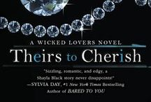 Theirs to Cherish (Wicked Lovers Book 8) / The perfect place for a woman on the run to disappear… To live out her wildest fantasies… And to fall in love.