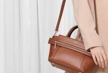 Keep calm & carry a fabulous bag / You can't buy happiness, but you can buy bags and that's kind of the same thing! Here you'll find stylish, vintage, outstanding, normal, simple and lovely bags. Discover Shpock for more of them!