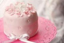 Mini cakes  / Prachtig....kunstwerkjes...trouwens de foto's die mogen er ook zijn.