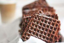 Waffle...Wafels / Heerlijk als dessert, als tussendoortje of zelfs als ontbijt. Zowel zoet als hartig. Zowel rechthoekig als in hartvorm te maken.