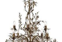 Sviečkove svietidla / Krásne svietidlá s úspornou žiarovkou, ktorá má tvar podobný sviečke.