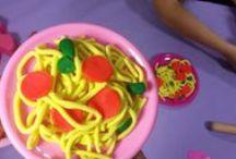 Brincando de massinha / Coisinhas feitas com massinha (plasticina), que as crianças podem fazer brincando e usando a imaginação.