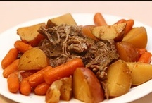 Crock Pot Recipes / by Mona Attaei