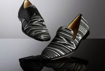 Walking....shoes...calzado....zapatos.. / by vinuesa vallas y cercados