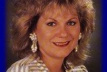 Dames Chanteuses Singers / Les plus belles parmi chanteuses et les plus belles voix. Toutes les femmes sont belles.