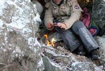 """Wilderness✧Survival / Les Stroud. Mors Kochanski. Ray Mears. Northerners need to know basic bushcraft and winter survival. Carry an emergency kit (if only a well-stocked Altoids tin). Use utmost axe and blade safety. Practice at home! Shelter-Fire-Water-Food. Other boards of mine include: """"72-hours Prepared"""" and """"Wild Edibles"""""""