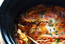 Recipes Slow Cooker / I adore these helpful little appliances and I use them year-round! When camping, if you tend the fire well ahead of time to build a deep bed of coals, you can adapt these crock-pot recipes for a Dutch Oven.