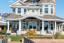 H o u s e s / Pretty Houses