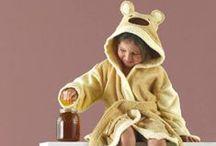 albornoces infantiles Rizo Basic / Albornoz infantil de la firma Rizo Basic. Rizo algodón 100% Diseño estampado de Arco Iris Lavar por separado colores intensos