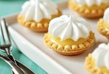 baking/dessert / Fall cupcake / by Suzanne Vidor